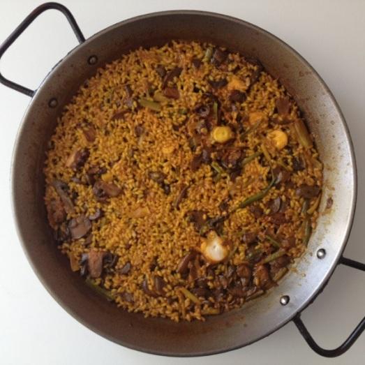 348 Paella de polp, alls tendres i xampinyons
